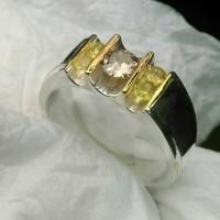 Cincin wanita perak murni mata berlian light brown dan yellow safir