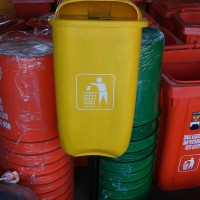 Tong sampah fiber oval 60 liter single