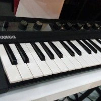 Yamaha REFACE CP Portable Electric Piano and Vintage Kybrd S. Engine