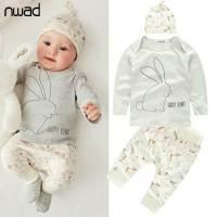 setelan gambar kelinci putih untuk anak bayi