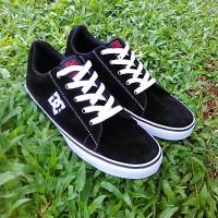 Sepatu DC Pria Sneaker Casual - Black Murah Grade Original