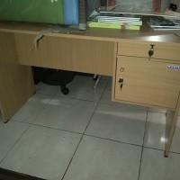 Meja tulis meja kantor staff meja gudang meja sekuriti meja komputer