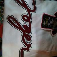 Kaos Joger warna putih ukuran M