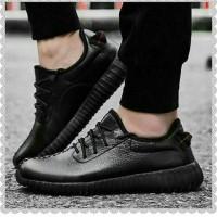 Yeezy Leather Black