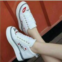 Sepatu Sneakers Wanita/Kets Putih/ TUTITU