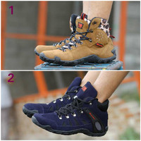 harga Sepatu Pria Karrimor Leopard Boots Suede Tracking Hiking Sepatu Gunung Tokopedia.com
