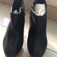 New Never Worn Angle Boots Sepatu Fashion Wanita Heels Nine West
