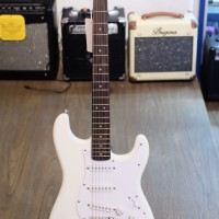 Squier by Fender Stratocaster Bullet Series