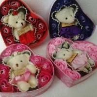 BUKET BONEKA BUNGA BOX / FLOWER BOX BOUQUET / KADO VALENTINE