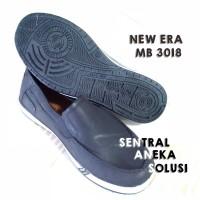 Jual att / sankyo / new era sepatu karet fomal hitam / putih pantofel keren Murah