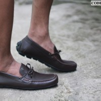 SEPATU SLIP ON FORMAL PLAYBOY MOCCASIN ELASTIS SIMPEL SINTETIS COKLAT