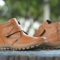 harga Sepatu Pria Casual Boot Kickers Prepet Made In France Tokopedia.com
