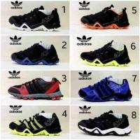 1473514_47287e20-9dc1-4313-bfed-62cc73db8bf5 Koleksi Daftar Harga Sepatu Adidas Buat Jalan Terlaris saat ini