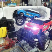 RC Mobil Max Bigfoot Storm Jeep Range Rover Evoque ,Skala 1:24 ,Cas
