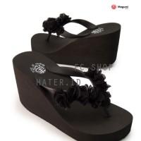 Harga sandal wanita wedges hitam polos bunga megumi | Pembandingharga.com