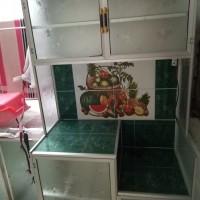 lemari rak piring kaca dua pintu