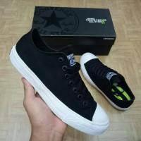 Jual sepatu sneaker converse chuck taylor II CT 2 low ox black/white unisex Murah