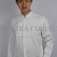 Baju Koko Pria Warna Putih Tampil Simple/Bermerk