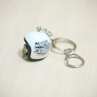 gantungan kunci unik bentuk helm retro - handmade keychain - SK015
