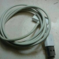 Kabel data Iphone 4 Original Bawaan hp.100% Ori (Second) Gransi