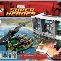 terlaris LEGO 76007 - Super Heroes - Iron Man: Malibu Mansion Attack