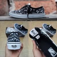 Sepatu Vans Authentic x Starwars De Stormtrooper Bandana BNIB China