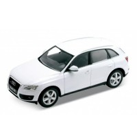 Hobby Miniatur Diecast Mobil Audi Q5 putih Welly 19Cm 1:24
