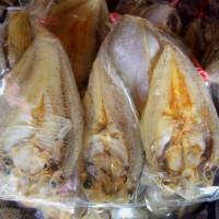 Ikan Asin Bulu Ayam / Bilis Ukuran Besar 250 Gram