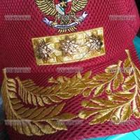 topi lapangan gubernur