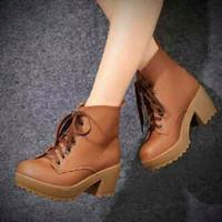 Jual Terbaik Sepatu Boots Heels Wanita SBO104 Murah