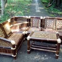 kursi bambu sudut