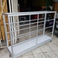 etalase aluminium kaca ukuran 1.5 meter