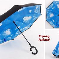 "Payung Terbalik ""C"" Handle BIRU AWAN (Kazbrella), Solusi di saat hujan"