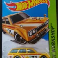 Hotwheels 71 Datsun Bluebird 510 Wagon kuning grill kotak diecast 1.64