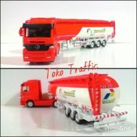 skalA 1/87 truck mercedes benz custom pertalite by welly nex
