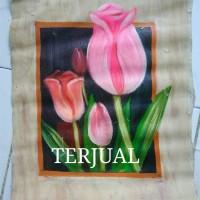 Lukisan Bunga Tulip Keluar dari Bingkai