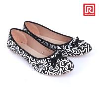 harga Sepatu Jj Flat Motif Batik Hitam (07910663) Tokopedia.com