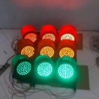 Lampu traffic light PLN / Tenaga surya murah
