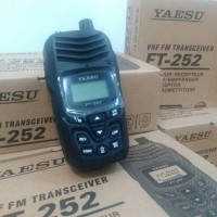 HT YAESU FT-252 VHF 2 Meter 5W FM Single Band