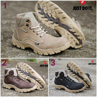harga Sepatu Boots Pria Nike Kunkka Safety Tracking Hiking Sepatu Gunung Tokopedia.com