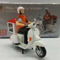 Tiny Vespa Pizza Delivery Scooter (non tomica)
