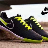 Promo! Sepatu Pria Olahraga Futsal Nike Import