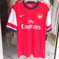 Jersey Arsenal home musim 2012-2013