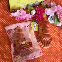 Squishy LUCU Kiibru Bread Santa Claus Special DISKON