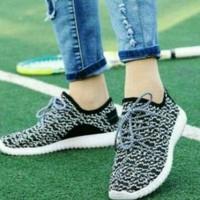 Femine - Sepatu Wanita Kets Sport Casual RJ01 - Abu Abu