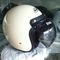 helm bogo retro GAG warna krem