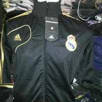 JAKET REAL MADRID JANOS HITAM 2013 LIS EMAS GRADE ORI MADE IN THAILAND