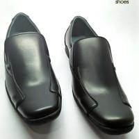 Sepatu pantofel pria fladeo