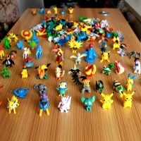 200 Pc Pokemon Figure Figma Naruto Thousand Sunny Charizard Rayquaza