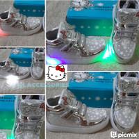 sepatu anak lampu LED silver glitter kacamata hello kitty shoesSz26-30